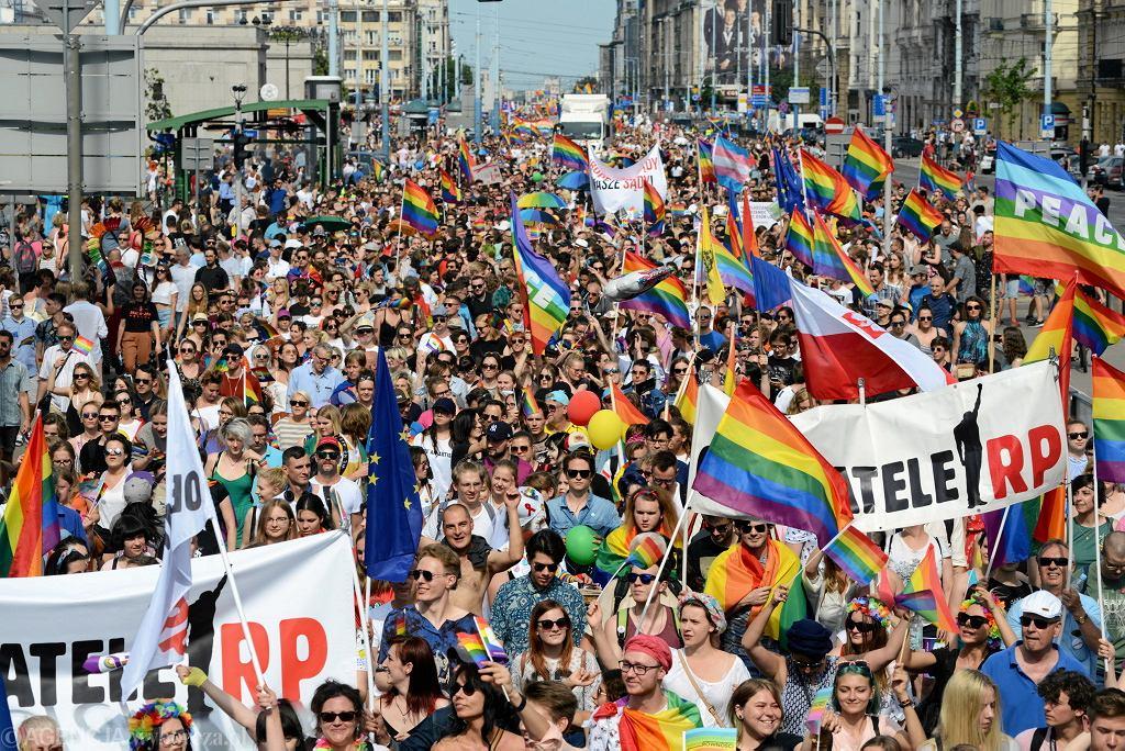 9 czerwca 2018 Warszawa, Parada równości idąca Alejami Jerozolimskimi
