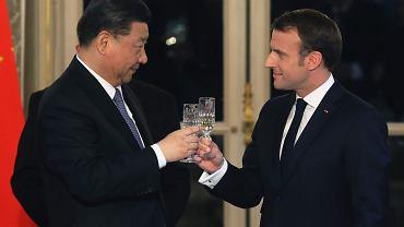 Prezydent Chin Xi Jinping i prezydent Francji Emmanuel Macron.