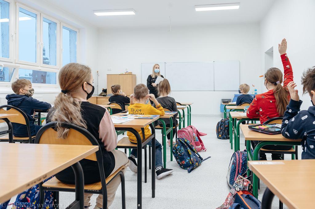 Rodzice o powrocie do szkół. 'Dzieli się uczniów na bardziej lub mniej potrzebujących'