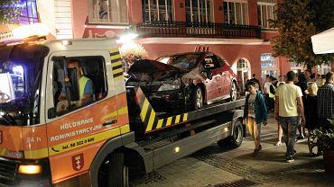 20 lipca, Sopot. Kierowca hondy potrącił na Monciaku i molo ponad 20 osób.