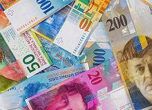 Kursy walut NBP 22.02. Frank szwajcarski i dolar rekordowo drogie w tym roku