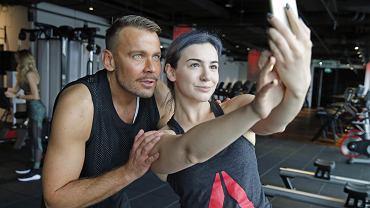Byłam na otwarciu luksusowej siłowni Exuma Gym. W rolę trenera wyjątkowo wcielił się wysportowany projektant mody Dawid Woliński