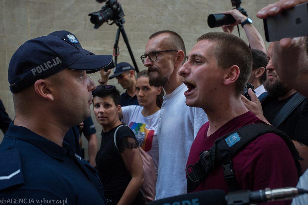 Demonstracje przeciw pisowskiej 'reformie' sądownictwa. Partia rządząca przepchnęła ustawę umożliwiającą przejęcie Sądu Najwyższego. Warszawa, 20 lipca 2018