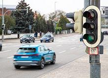 Samochód powie, jak jechać, by załapać się na zieloną falę. To rozwiązanie za chwilę zostanie wprowadzone do Europy