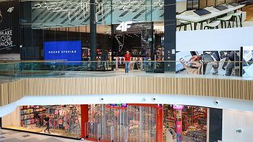 Galeria Młociny w Warszawie. Na klientów czeka 220 sklepów, 36 barów i restauracji, 10-salowe kino oraz rozplanowany na dwóch kondygnacjach klub fitness.