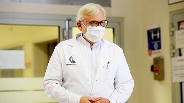 Prof. Wojciech Maksymowicz: Rządowy system walki z epidemią to porażka Niedzielskiego