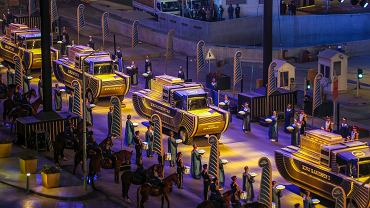 Parada z okazji przetransportowania mumii do nowego Narodowego Muzeum Cywilizacji Egipskiej