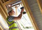 Energooszczędne okna dachowe. Jak je wybierać i montować? Niewłaściwe spowodują utratę nawet 30 proc. ciepła