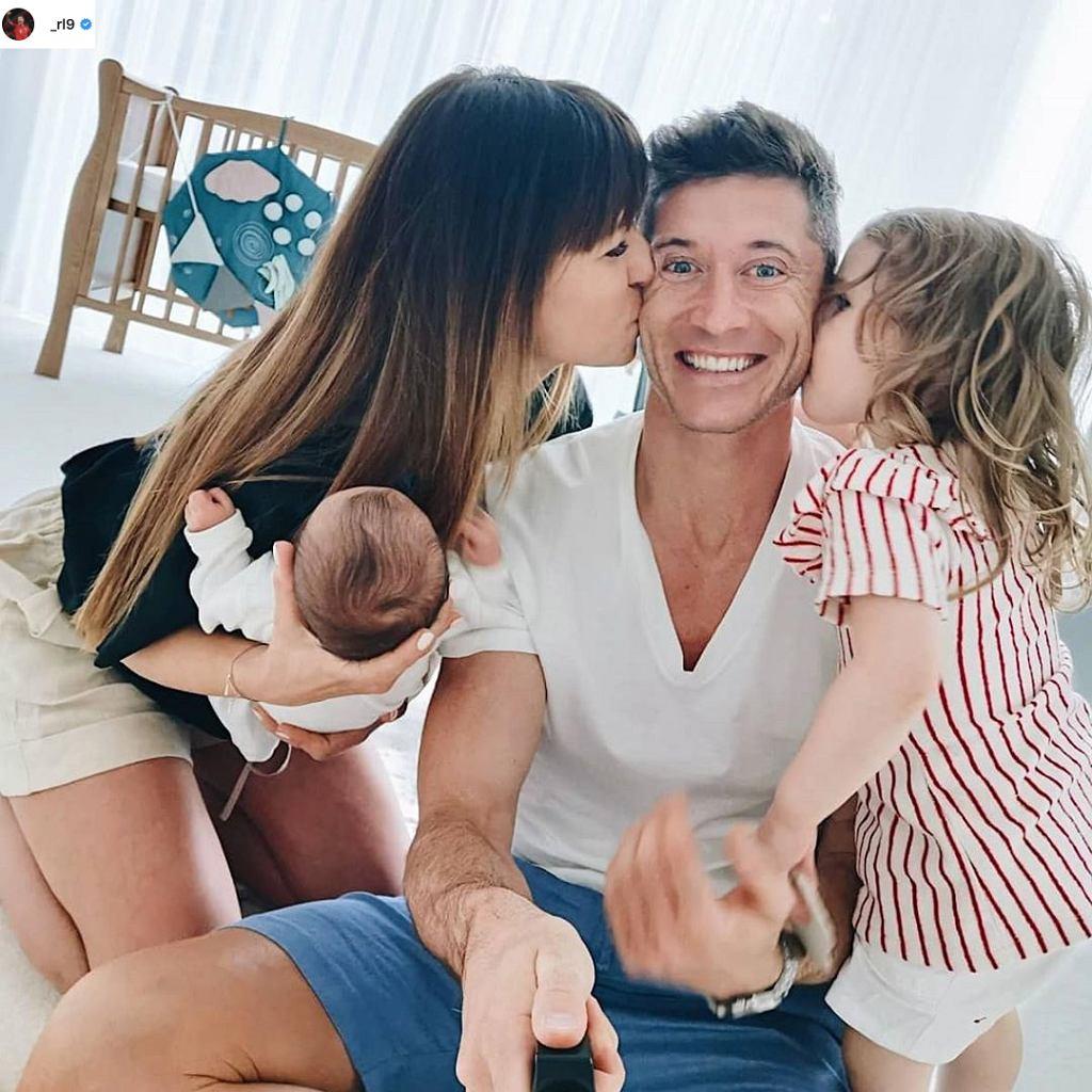 Robert Lewandowski z rodziną