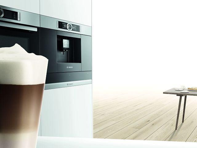 Ekspres do kawy z linii do zabudowy Serie | 8 marki Bosch