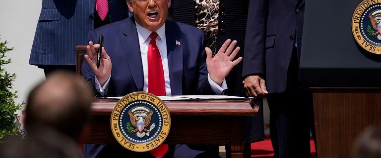 """Trump mówi o spadku bezrobocia. Nagle wspomina Floyda. """"To wielki dzień"""""""