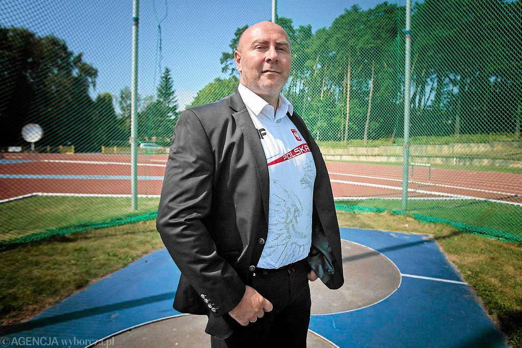 Poseł PO Szymon Ziółkowski walczył o pieniądze na sport. - Poseł Bartłomiej Wróblewski z PiS, który tyle opowiada o potrzebie budowy w naszym mieści hali sportowej nie wziął udziału w głosowaniu - mówi
