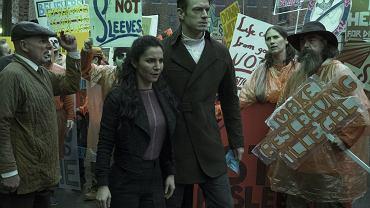 Scena z serialu ''Altered Carbon'' (fot. mat. dystrybutora/Katie Yu/Netflix)