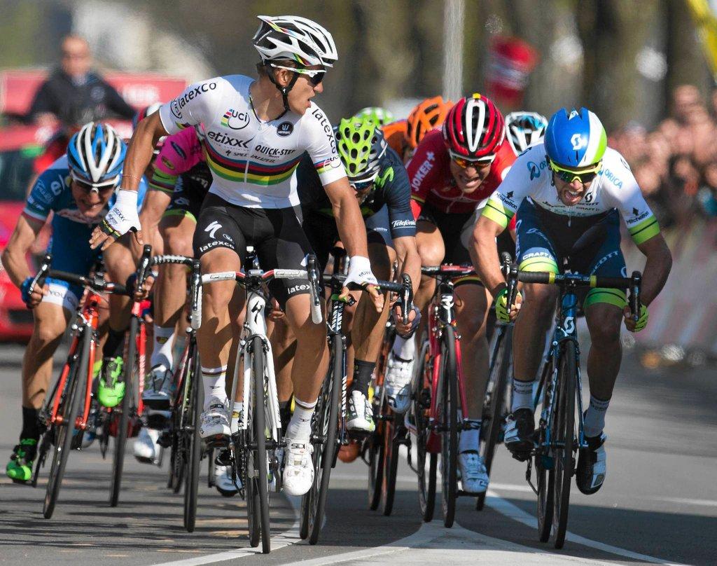 Michał Kwiatkowski na finiszu wyścigu Amstel Gold