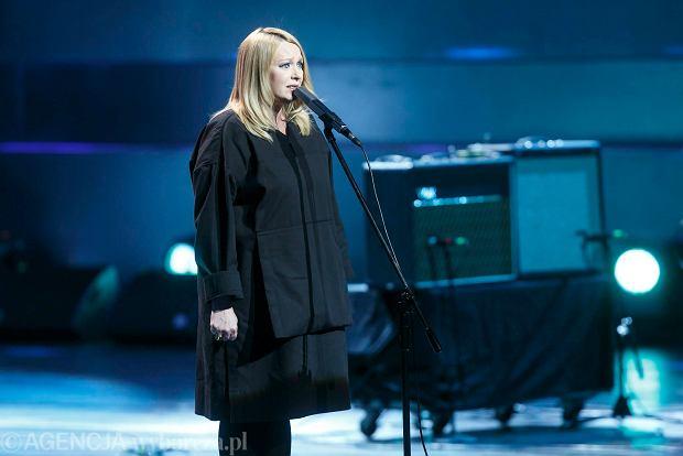 Kasia Nosowska zaśpiewała największe przeboje z debiutanckiej platynowej płyty zespołu HEY