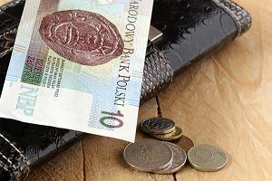 Bezwarunkowy dochód podstawowy - dla kogo? To 1200 zł na dorosłego, a dla rodzin dużo więcej
