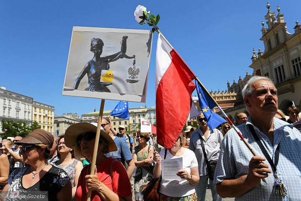 Protest na Rynku Głównym w Krakowie