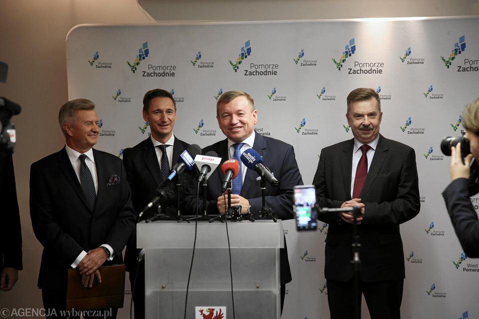 Od lewej: Stanisław Wziątek, Olgierd Geblewicz, Jarosław Rzepa i Dariusz Wieczorek