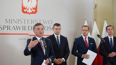 """""""Pan Zbyszek już błaga o łaskę"""". Komentarze po wystąpieniu Zbigniewa Ziobry"""