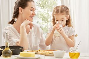 Jak urozmaicać posiłki dziecka? Sposoby mam