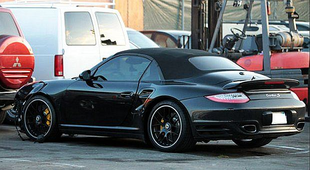 Czarne Porsche 911 to model Turbo S