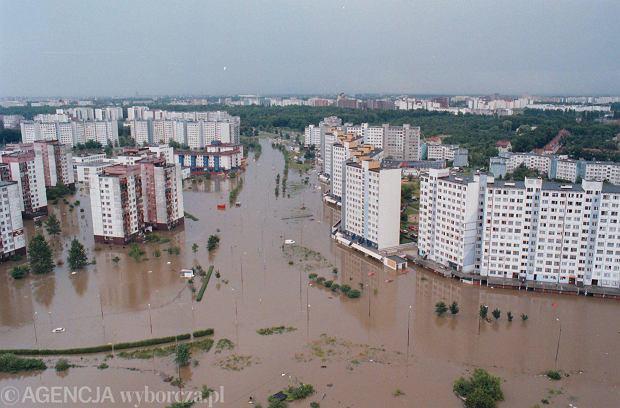 Zdjęcie numer 30 w galerii - 17 lat temu Odra zalała Wrocław. Tak wyglądało miasto [FOTO]
