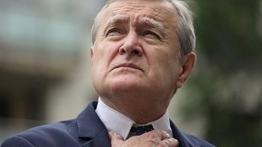 Wicepremier, minister kultury, dziedzictwa narodowego i sportu Piotr Gliński powiedział: Polska obroniła się przed falą uchodźców w 2015 roku i teraz też się obroni. Będziemy postępowali odpowiedzialnie, obronimy Polskę