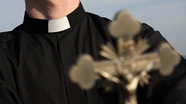 Ksiądz z parafii w Mosinie miał powstrzymywać agresywnych mężczyzn przed profanacją