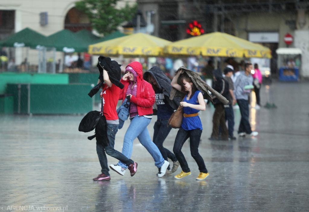 Pogoda się zmienia. Burze nad Polską