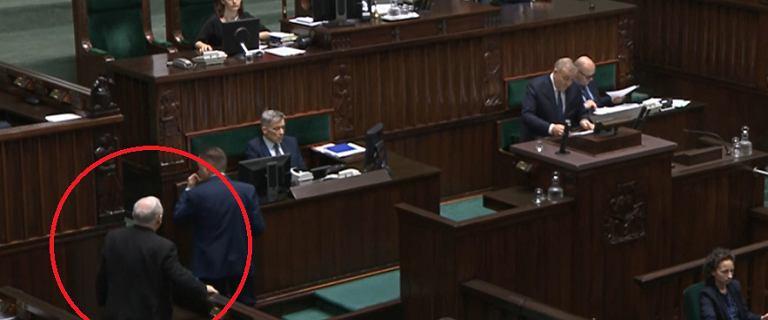 Schetyna przemawiał, Kaczyński wyszedł z sali. Wezwał Ziobrę i Gowina