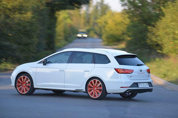 Seat Leon ST Cupra vs. VW Golf Variant R