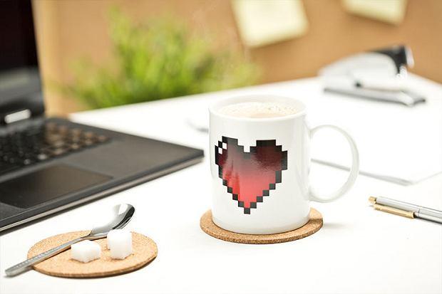 Kubek z pikselowym sercem