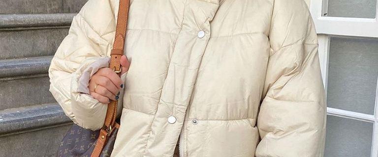 Zimowe płaszcze w świetnych cenach. Pikowane modele są ciepłe i wygodne