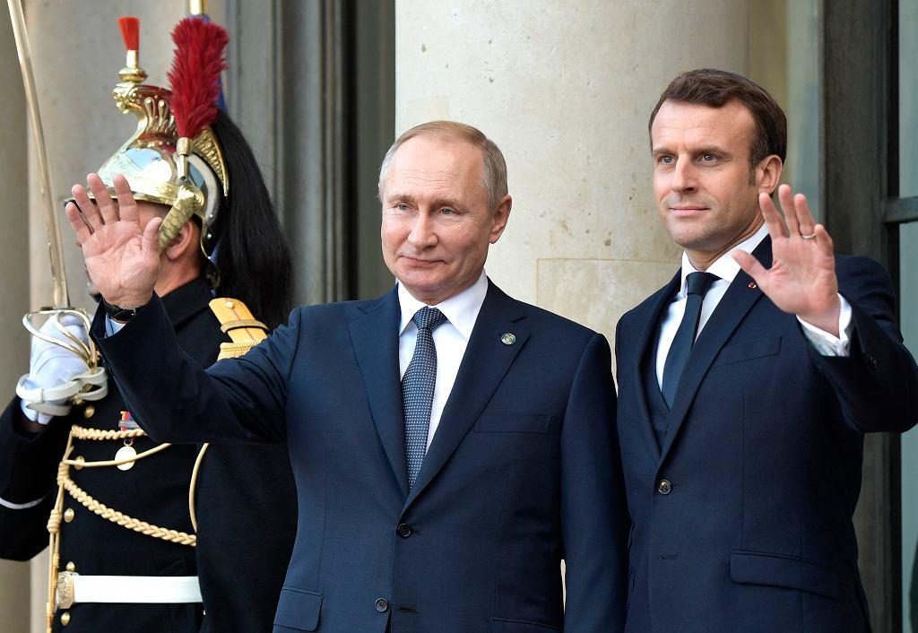 Macron i Putin w Pałacu Elizejskim