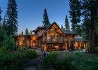 Dom za miastem pełen drewna
