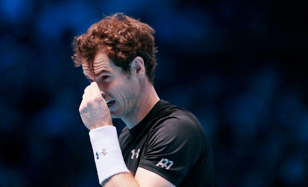 Andy Murray i denerwujące go włosy