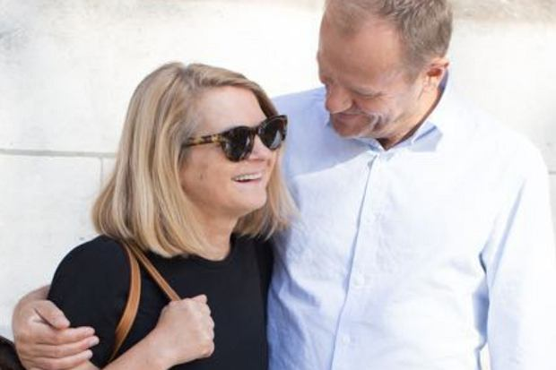"""Donald Tusk ma gest! Jak podaje """"Super Express"""", były premier kupił żonie wyjątkowo luksusowy prezent warty 300 tys. złotych."""