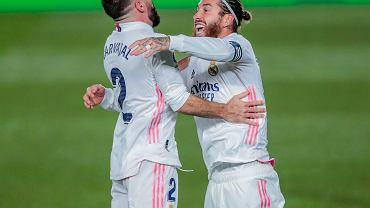 Dani Carvajal i Sergio Ramos fetują drugiego gola Realu Madryt