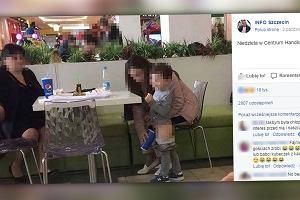 Zdjęcie dziecka, które sika do kubka przy restauracyjnym stoliku podzieliło ludzi: 'Patologia!', 'Kreatywna mama!'