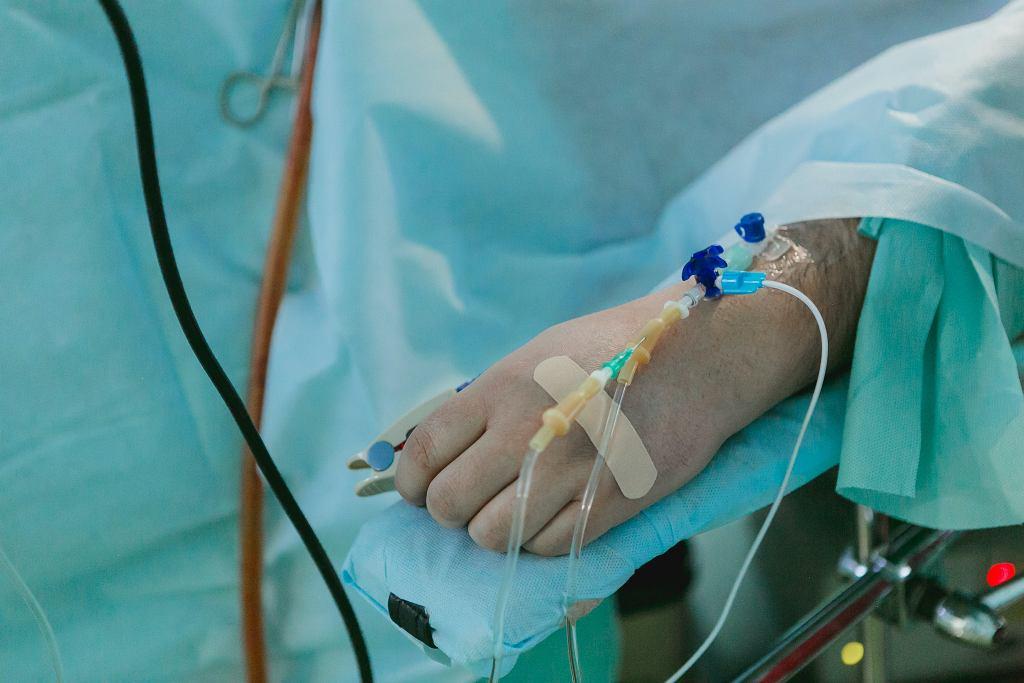 Wielka Brytania. Polak w śpiączce trafi do Kliniki Budzik? 'Trzeba pacjentowi podać rękę' (zdjęcie ilustracyjne)