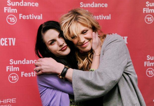Frances Bean Cobain i Courtney Love na premierze filmu