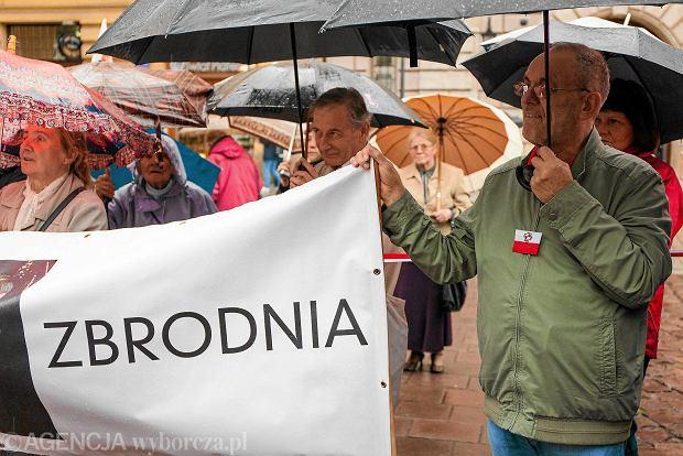 Obchody miesięcznicy w Krakowie