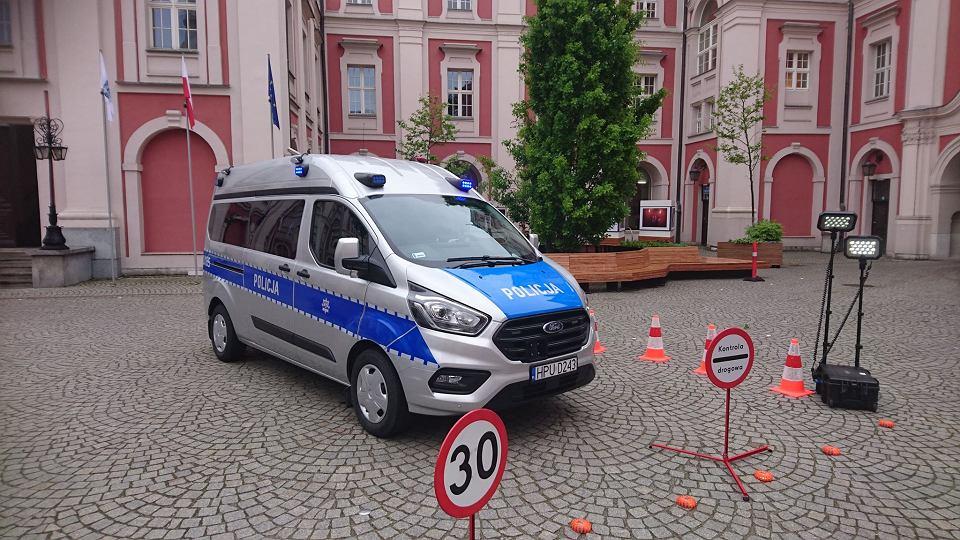 Policja ma nowy samochód do kontroli emisji spalin