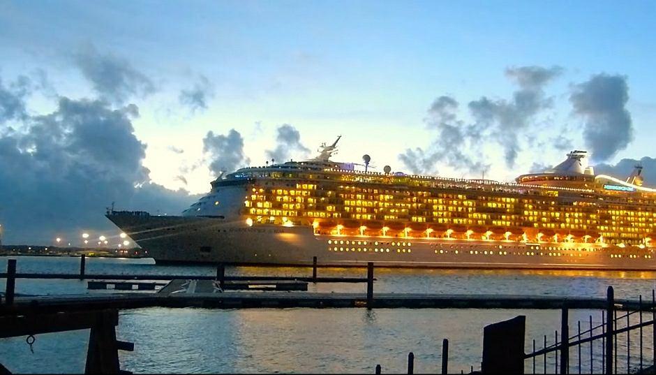 'Independence of the Seas' przy nabrzeżu w Southampton