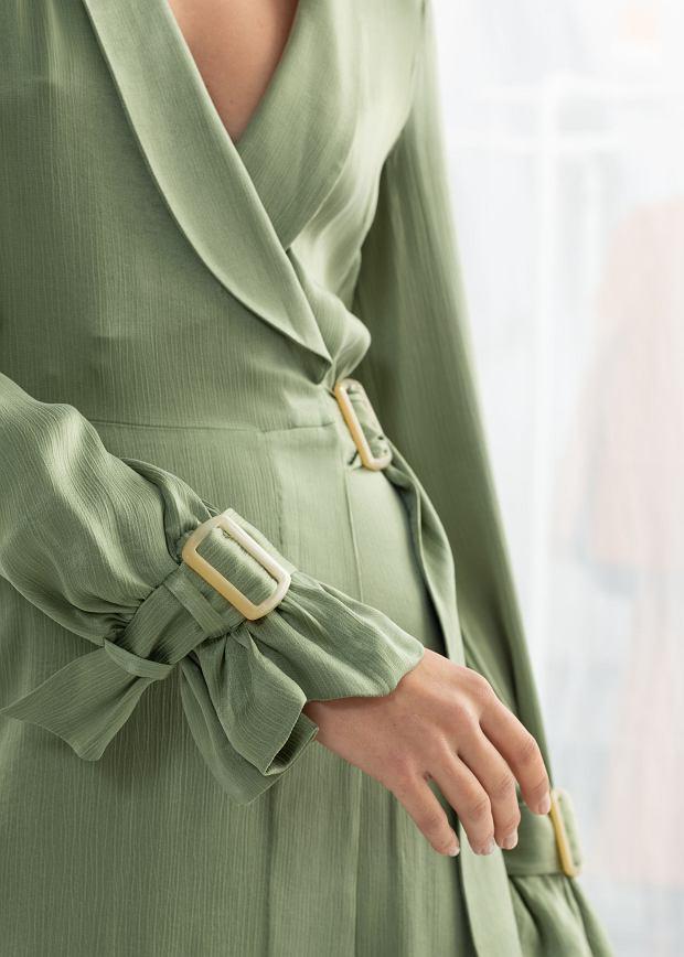 Seledynowy to przykurzony odcień zieleni z dodatkiem szarości