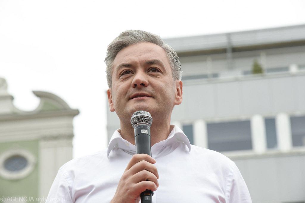 Wybory prezydenckie 2020. Robert Biedroń podczas spotkania z wyborcami we Wrocławiu
