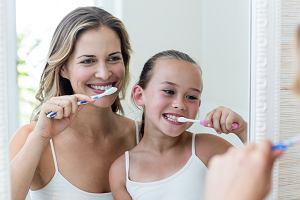 Mycie zębów. Poradnik, jak wdrożyć ten nawyk u dziecka
