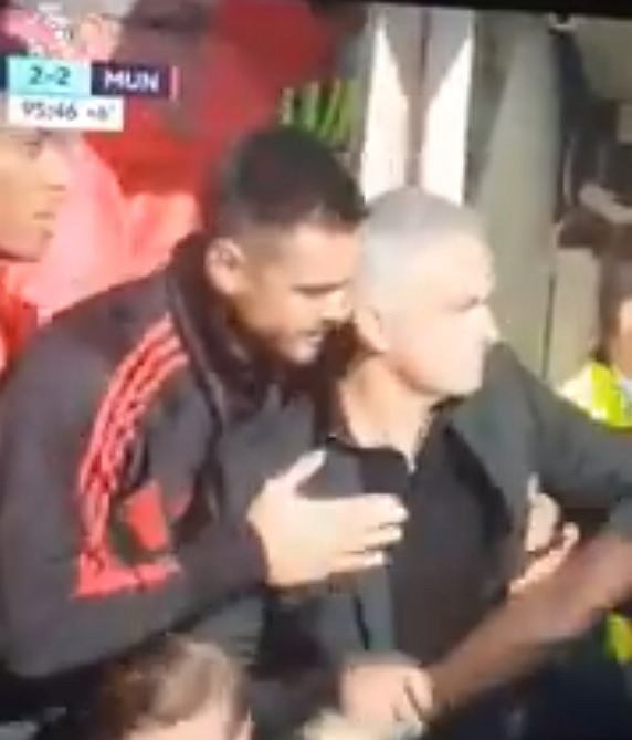 Jose Mourinho podczas meczu Chelsea - Manchester United