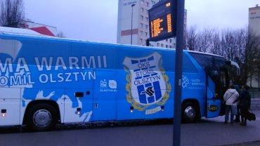 Autobus w barwach Stomilu Olsztyn przed wyjazdem do Warszawy