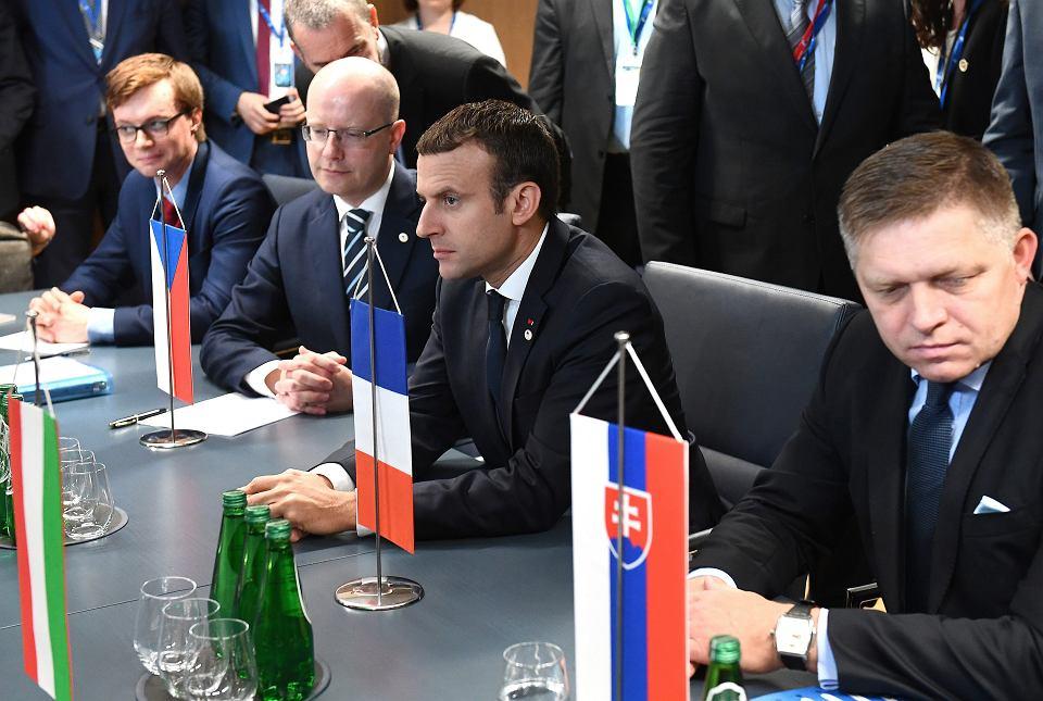 Spotkanie prezydenta Francji Emmanuela Macrona z premierami państw Grupy Wyszehradzkiej w Brukseli